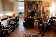 Audio Note UK factory tours and Life in the fast lane with Peter Qvortrup Home Audio Speakers, Audio Room, Hifi Audio, Wireless Speakers, Hifi Stereo, Audio Studio, Home Studio Music, Best Hifi, Home Music Rooms