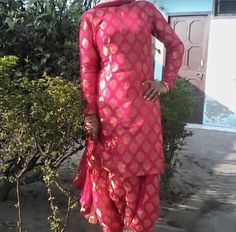 #DesignersalwarsuitOnline #BuysalwarSuitSale #LatestsalwarSuitOnline #StylishsalwarSuitSale # Maharani Designer Boutique  To buy it click on this link :  http://maharanidesigner.com/Anarkali-Dresses-Online/salwar-suits-online/ Fabric -brocate Rs.3800. For any more information contact on WhatsApp or call 8699101094 Website www.maharanidesigner.com Maharani Designer Boutique's photo.