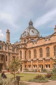 British College, Oxford College, College Campus, College Life, Oxford Student, University Of Oxford, State University, London College, Hogwarts