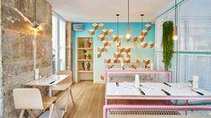 C'est en plein cœur du Marais, à Paris que s'est installé le troisième restaurant PNY, conçu et dessiné par l'agence Cut architecture. L'aménagement intérieur s'inspire du Miami des 80's dans un style épuré aux couleurs vives. ...