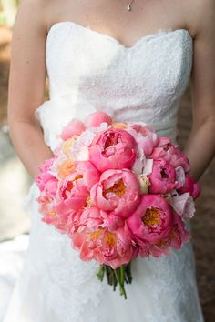 In love with this pink peony bouquet! // photo by www.capturedbyjen.com