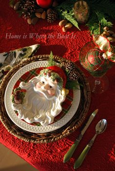 Christmas Tablescape with Santa Plates Christmas China, Christmas Dishes, Noel Christmas, All Things Christmas, Nordic Christmas, Modern Christmas, Tartan Christmas, Christmas Images, Country Christmas