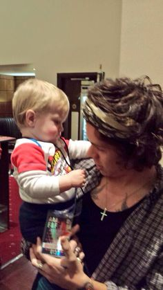 Harry styles plus a baby...I CANT ......RIGHT NOW Kill me already
