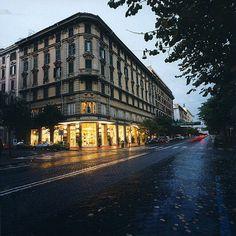 Hollo si espande a Roma...    Ci trovate anche nei negozio Coin:    - Via Cola di Rienzo, 173   - Centro Comm.le ''Cinecittà 2'' - Viale P.Togliatti, 2