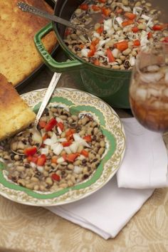 Heirloom Black-eyed Peas Serves 8 Eating black-eyed peas at my grandfather's house has always been a family tradition for bringing in the New Year. Growing up in the South, we have such an abundance of black-eyed peas, crowder peas, and butter. Black Eyed Pea Salad, Black Eyed Peas, 15 Bean Soup, Vegetable Sides, Vegetable Recipes, Refried Beans, Bean Recipes, Southern Recipes, Abundance