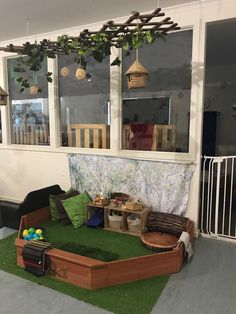 A perfect way to bring nature/outside feel, inside for toddlers. Childcare Environments, Childcare Rooms, Learning Environments, Reggio Emilia Classroom, Reggio Inspired Classrooms, Classroom Ceiling, Classroom Decor, Eyfs Classroom, Classroom Design