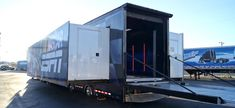 2007 Featherlite 53 Double Expandable Trailer for lease or sale, great condition. Layout great for mobile classroom, mobile exhibit, car display, and more! Tiny Camper Trailer, Semi Trailer, Shipping Container Homes, Shipping Containers, Folding Campers, Rv Bus, Fifth Wheel Trailers, Luxury Rv, Unusual Homes