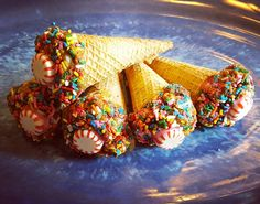 "A recipe for Canter Cones horse treats! Your horse will love these yummy ""ice cream"" cones. :)"