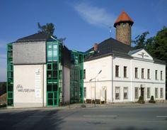 Museum der Stadt Auerbach / Vogtland in der Schlossstraße. Im Hintergrund der Schlossturm.  #Vogtland #Auerbach #Museum