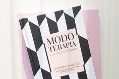 """""""Modoterapia""""- czy warto przeczytać? My mówimy tak!   #książka #moda #modoterapia #modneksiążki #książkaomodzie #modnie"""