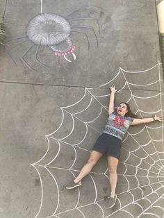 Spider Costume, Halloween Spider, Halloween Fun, Halloween Pictures, Chalk Photography, Abstract Photography, Halloween Photography, Bokeh Photography, Giant Spider