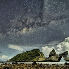 For a special adventure in Bali Nusa Penida offers new things to explore like Atuh Beach.  #StarJourneys @jetstarasia