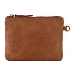 Brun læder-clutch med plads til mobil og pung