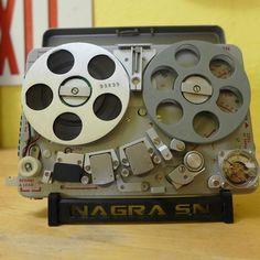 Nagra - Remix Numérisation - www.remix-numerisation.fr - Rendez vos souvenirs durables ! - Sauvegarde - Transfert - Copie - Digitalisation - Restauration de bande magnétique Audio - MiniDisc - Cassette Audio et Cassette VHS - VHSC - SVHSC - Video8 - Hi8 - Digital8 - MiniDv - Laserdisc - Bobine fil d'acier - Micro-cassette - Digitalisation audio - Elcaset