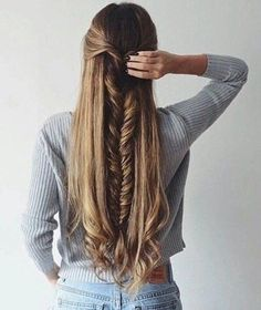 16 Peinados para hacerte si tienes cabello muy largo