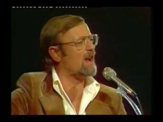 Roger Whittaker - Human whistle (Live performance) - Roger Whittaker explaining how he whistles, and then performing Changelip (African Whistler).