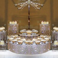 Crystal cake stands and displays Via:decoratemywedding Gemjunkiejewels