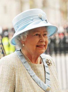 Queen Elizabeth Mar 9, 2009