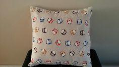 Simple owl cushion