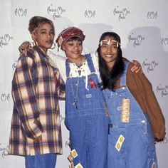 tlc condoms for everyone! Hip Hop Fashion, 2000s Fashion, Dope Fashion, Fashion Outfits, Tlc Group, Girl Group, 90s Hip Hop, Hip Hop And R&b, New Jack Swing