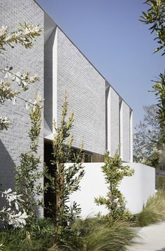 Melbourne-based architecture and interior design practice engaged in projects large and small, with a particular interest in housing and projects that nurture community. Brick Cladding, Brick Facade, Brickwork, Facade Design, Exterior Design, House Design, House Paint Exterior, Building Exterior, Clare Cousins