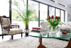 Living Room Large Flower Vase for Dominant Thing in Living Room : Beautiful Living Room Large Flower Vase Glass Top Table
