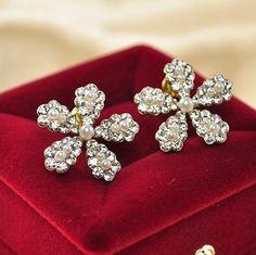 Daisy Studded Earrings
