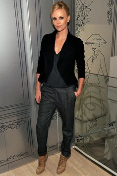 Slouchy cuffed pant~loose tee~ fitted blazer~booties Charlize Theron: Fashion's Night Out with Dior! Slouchy cuffed pant~loose tee~ fitted blazer~booties Charlize Theron: Fashion's Night Out with Dior! Dior Fashion, Fashion Night, Fashion Trends, Paper Fashion, Fashion Ideas, Fashion Finder, Autumn Fashion, Womens Fashion, Cooler Style