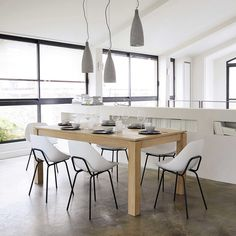 Seats on Maisons du Monde. Take a look at all the furniture and decorative objects on Maisons du Monde. Living Place, Affordable Furniture, Ceiling Design, Places To Eat, Kitchen Dining, Dining Chairs, Table Settings, Sweet Home, New Homes