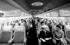 Pan Am: Photos show airline's glory days pre bankruptcy 29 years ago - Business Insider Jets, Aircraft Interiors, Boeing 707, Thing 1, Vintage Travel, Vintage Airline, Air Travel, Airline Travel, The Good Old Days