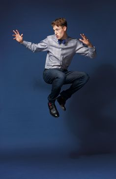 #jumpology Fashion Photography Art, Portrait Photography Poses, People Photography, Photo Poses, Male Models Poses, Male Poses, Male Pose Reference, Photo Reference, Jumping Poses