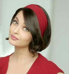 Aishwarya Rai is a talented artist and very popular among fans. Aishwarya Rai photo gallery with amazing pictures and wallpapers collection. Aishwarya Rai Images, Aishwarya Rai Photo, Actress Aishwarya Rai, Aishwarya Rai Bachchan, World Most Beautiful Woman, Most Beautiful Indian Actress, Beautiful Actresses, Mangalore, Miss World