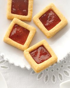Manchego Crackers with quince paste