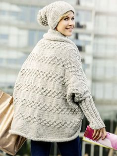 Crochet Patterns Jacket Granted, the ice saints we have just behind us, but still it can in the . Crochet Pullover Pattern, Poncho Knitting Patterns, Easy Knitting, Knit Crochet, Crochet Patterns, Cocoon Cardigan, Knit Cardigan, Oversized Cardigan, Knit Jacket