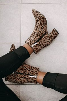 Pinterest: brennastasia ♡ Tips for Growing Your Instagram and Blog! ♡ chanfetti.com ♡ Cheetah Print Booties, Fall Outfit, Fall Style, Winter Outfit, Winter Style, Winter Fashion, Fashion Blogger Outfit - Chanfetti Blog