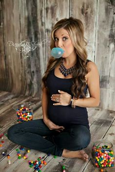 Super cute gender reveal!!! Of course she's gorgeous so it doesn't take much!