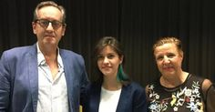 ALMUÑÉCAR. La concejal delegada de Cultura, Olga Ruano, y el director de Valparaíso Ediciones, Javier Bozalongo, hicieron entrega a la poeta mexicana