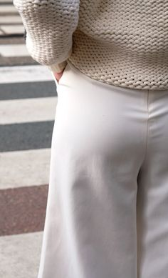 Stories Knit #knitwear #whiteknit #kableknit #white #outfit #fashion #ootd #bloggers #closetsale