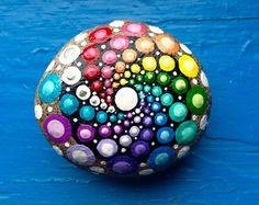 Mandala de piedra mano estrellas centelleantes por ChelseyLakeArt