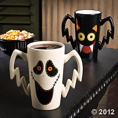Primitive Halloween Mugs. How one has to smile waking with with one of these 2-fisted delights!