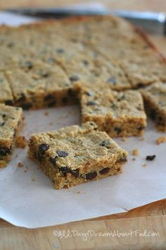 Low Carb Peanut Butter Chocolate Chip Bars | All Day I Dream About Food