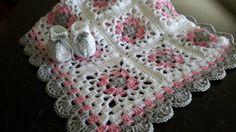 Que vous soyez berçant votre tout-petit ou vous cherchez le cadeau de naissance parfait, ce bébé doux lacy grand-mère carré afghan est un must pour la petite nouvelle dans votre vie! Cette couverture est disponible dans environ 28 X 32 ou 32 X 32 (votre choix au moment du