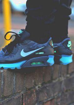 658b26f37accf Nike Air Max Basket Sneakers