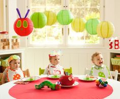 Super cute!  The Very Hungry Caterpillar themed party.