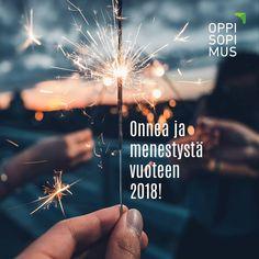 Kiitos kaikille seuraajille ja uusille tervetuloa mukaan! Ensi vuosi tuo mukanaan ammatillisen koulutuksen uudistuksia. Pysy mukana niin saat hyödyllistä tietoa Oppisopimus.fi-yhteisön ja sen somekanavien kautta. Haluamme toivottaa onnea ja menestystä jokaiselle vuoteen 2018!