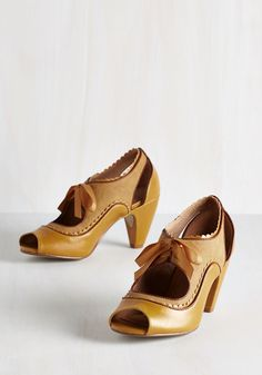 Record Day Heel. Skip these mustard heels by Chelsea Crew to the record store and search for a new LP to add to your collection! #yellow #wedding #modcloth