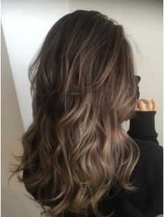 The most hot girl hairstyle in the autumn of 2019 is open! Pick up the most IN from hair style to hair color – Page 14 – Hairstyle Brown Hair Balayage, Brown Blonde Hair, Hair Highlights, Wavy Hair, Dyed Hair, Medium Hair Styles, Curly Hair Styles, Hair Arrange, Pretty Hairstyles