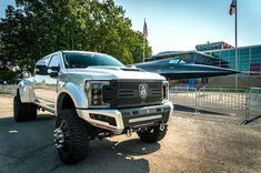 "Road Armor Bumpers Ford Super Duty equipped with a Fabtech 6"" 4 Link Lift Kit, Dirt Logic 2.25 Resi Shocks, and Dual Steering Stabilizers Ford Super Duty, Lift Kits, Stability, Monster Trucks, Link"