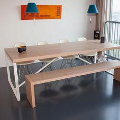 Zou jij niet graag een avondje tafelen aan deze #design #tafel? #meubels #tafels #opmaat #maatwerk www.panettiere.nl