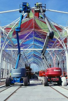 ETFE roof during our installation, Lodz/Poland Ferris Wheel, Poland, Fair Grounds, Travel, Design, Viajes, Destinations, Traveling, Trips